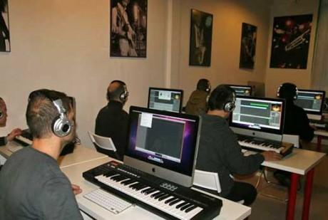 Advanced-Music-Networking-c